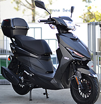 CARB Approved 2019 Amigo 150cc Scooter with LED Light, KENDA Sport Tires, Dual Suspension, Remote Start, Anti-theft Alarm, USB Port, Rear Trunk (SS-150). Free shipping to your door, free scooter helmet. 1 year bumper to bumper warranty. 99.9% Assembled.